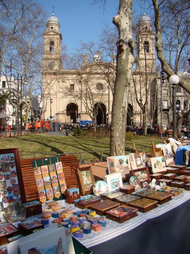 feirinha da praça da constituição - Uruguai
