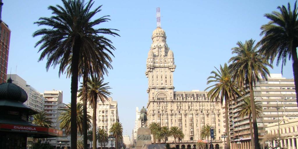 Plaza Independencia (praça da Independência) em Montevidéu