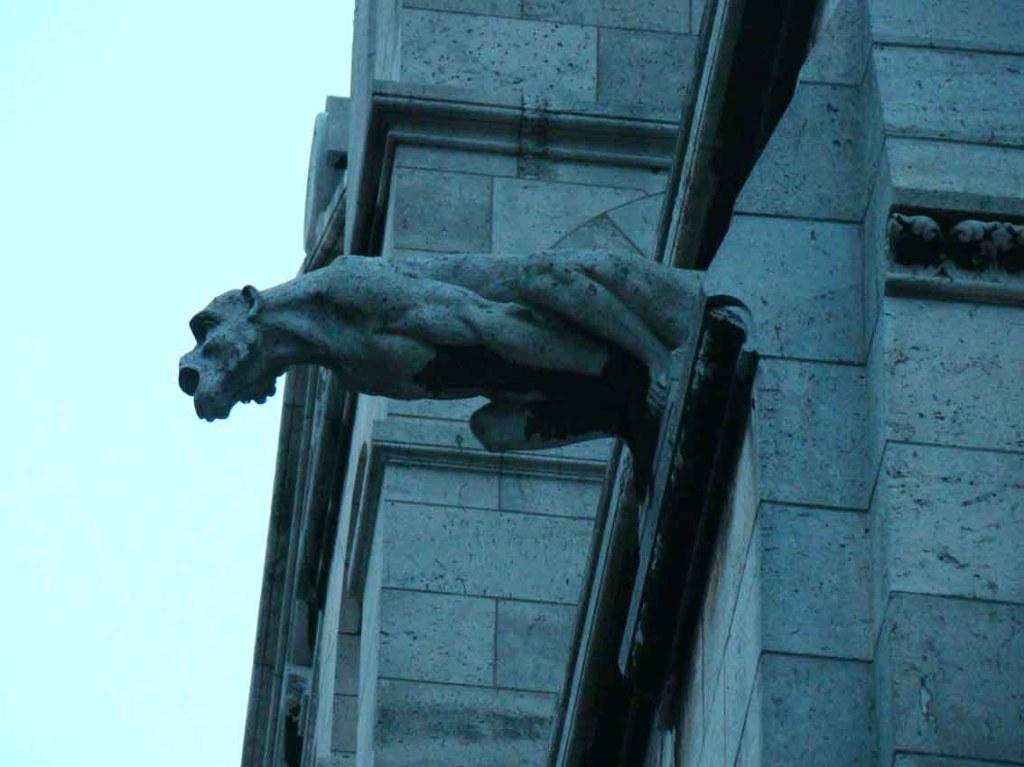 Gárgula na basilica de Sacre Coeur - Paris