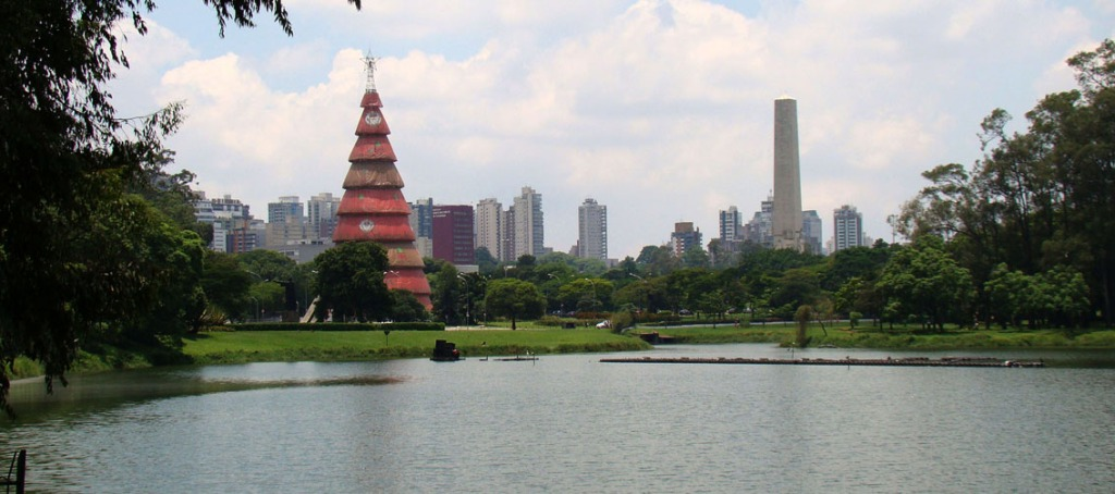 Um dos lagos do parque do Ibirapuera