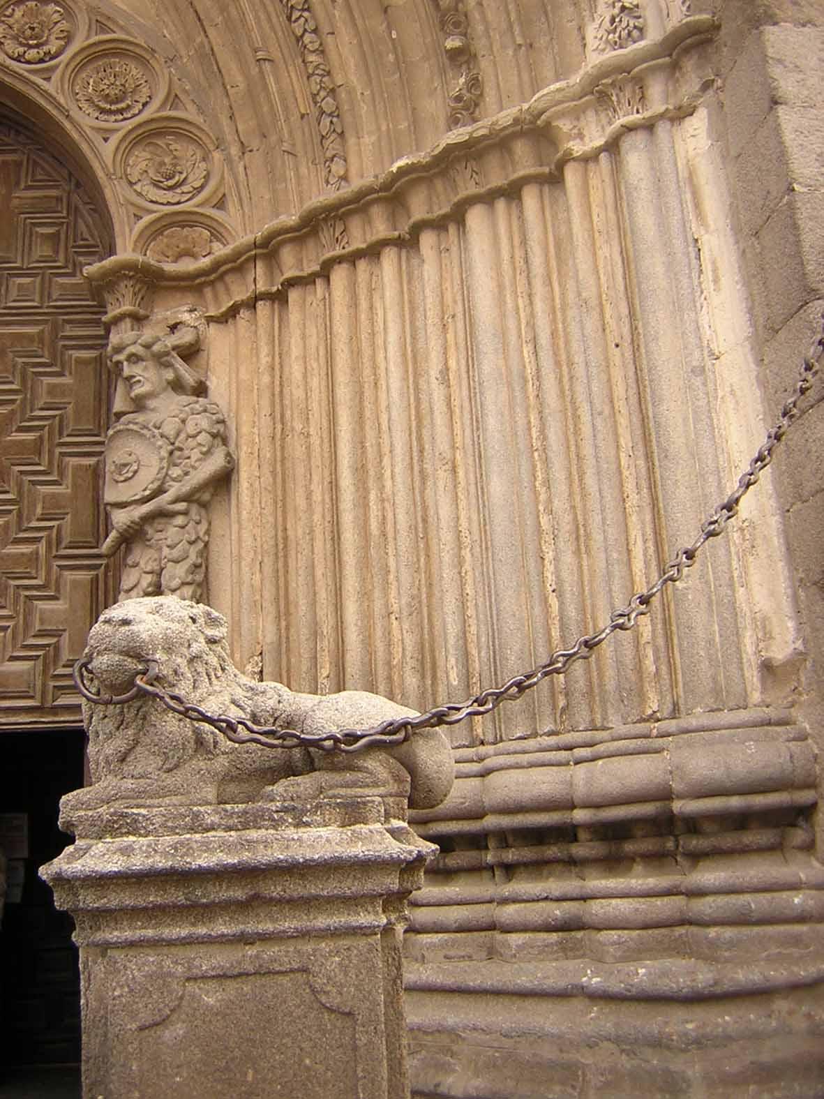 Leão na catedral de Ávila