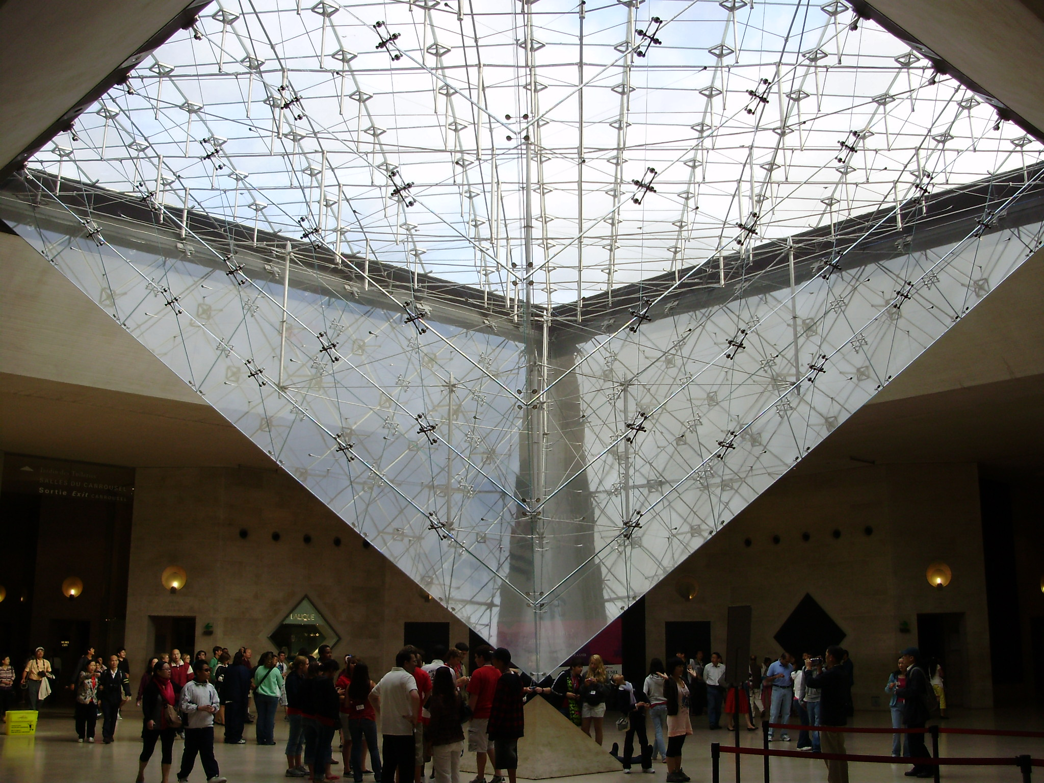 Piramide Invertida Louvre - Paris
