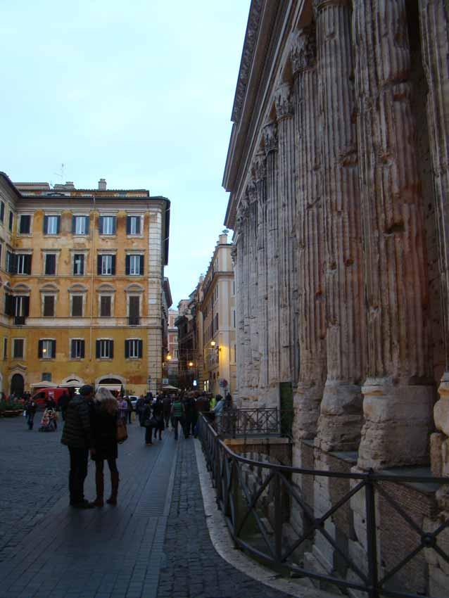 Templo Adriano - Roma