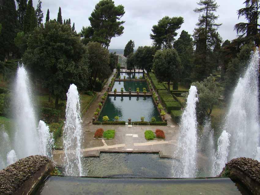 Fontes nos Jardins da Villa d'Este em Tivoli