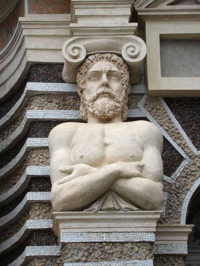 estátua no Jardins da Villa d'Este em Tivoli