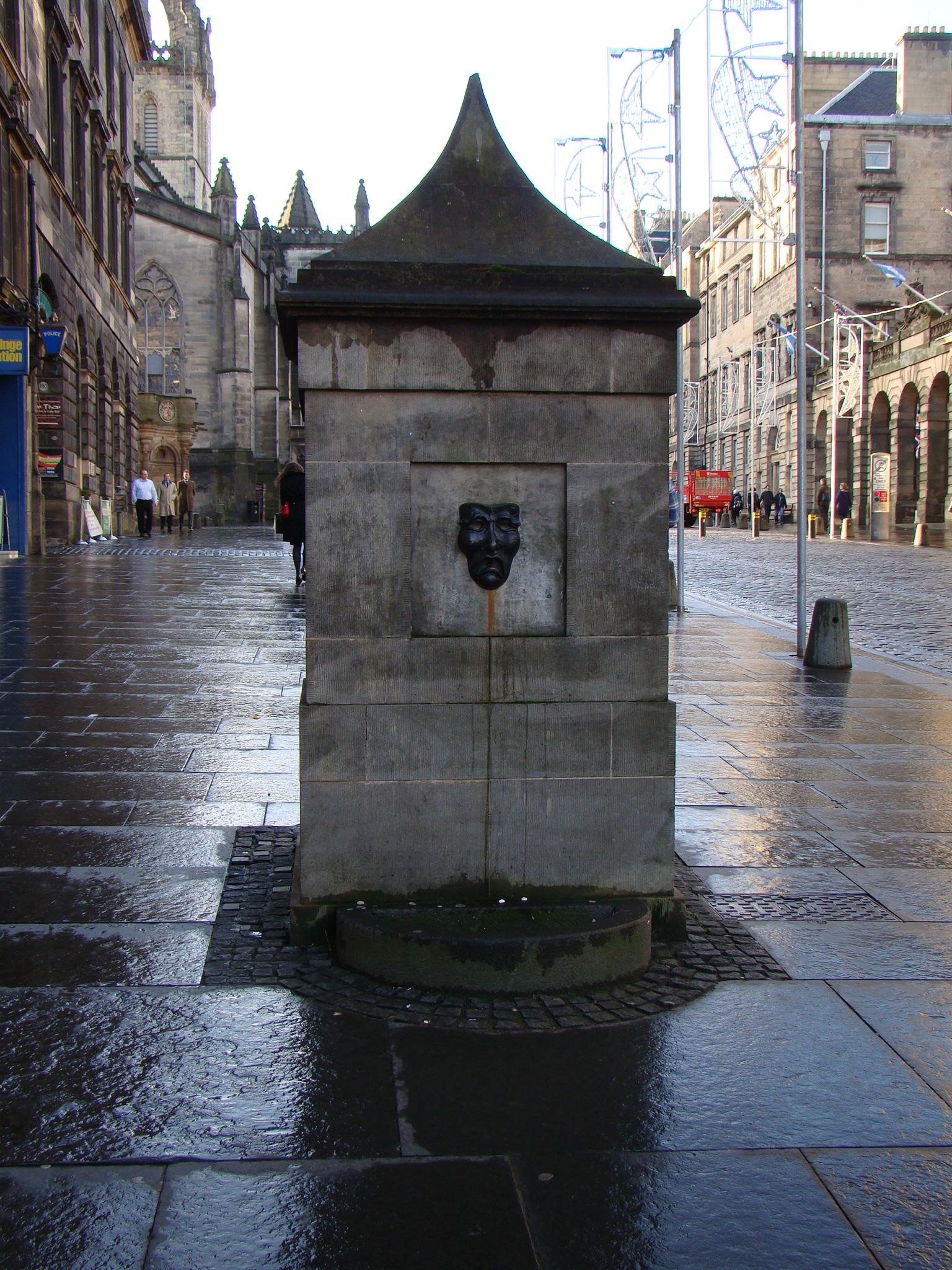 Fonte de máscaras - Edimburgo