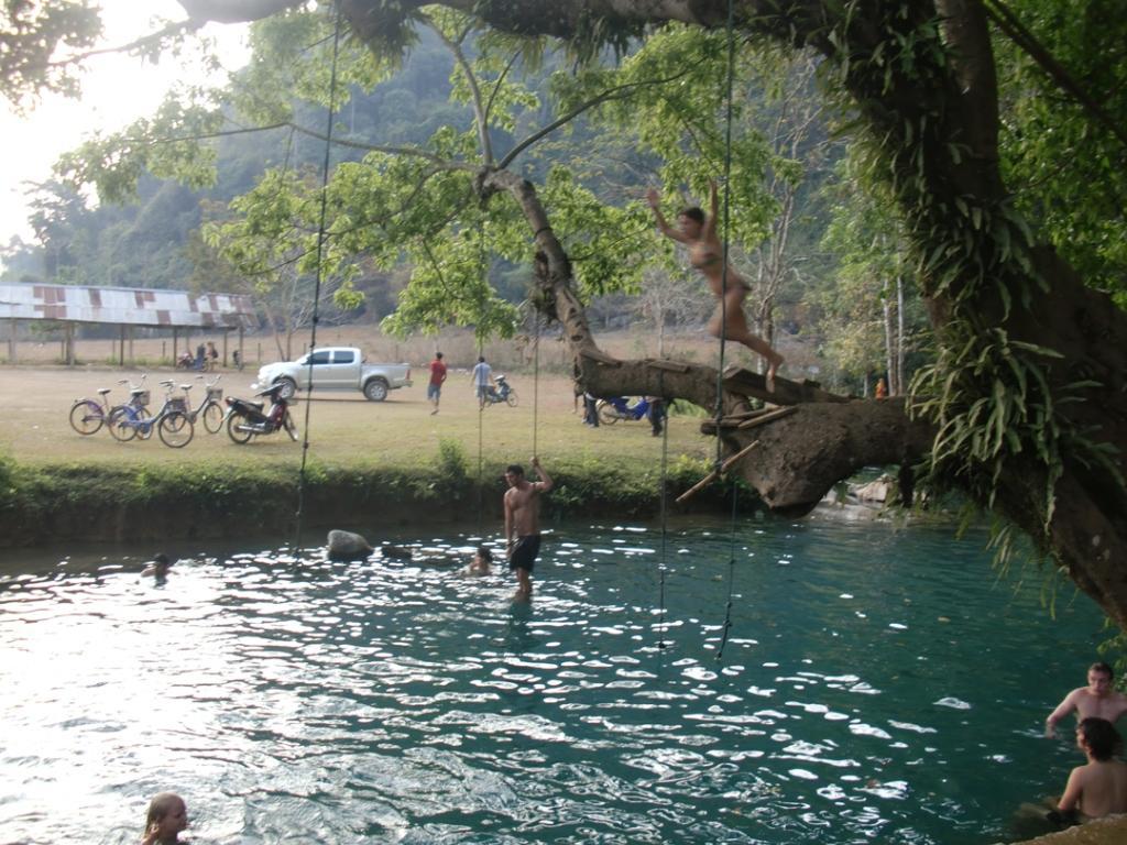 Blue Lagoon - Vang Vien