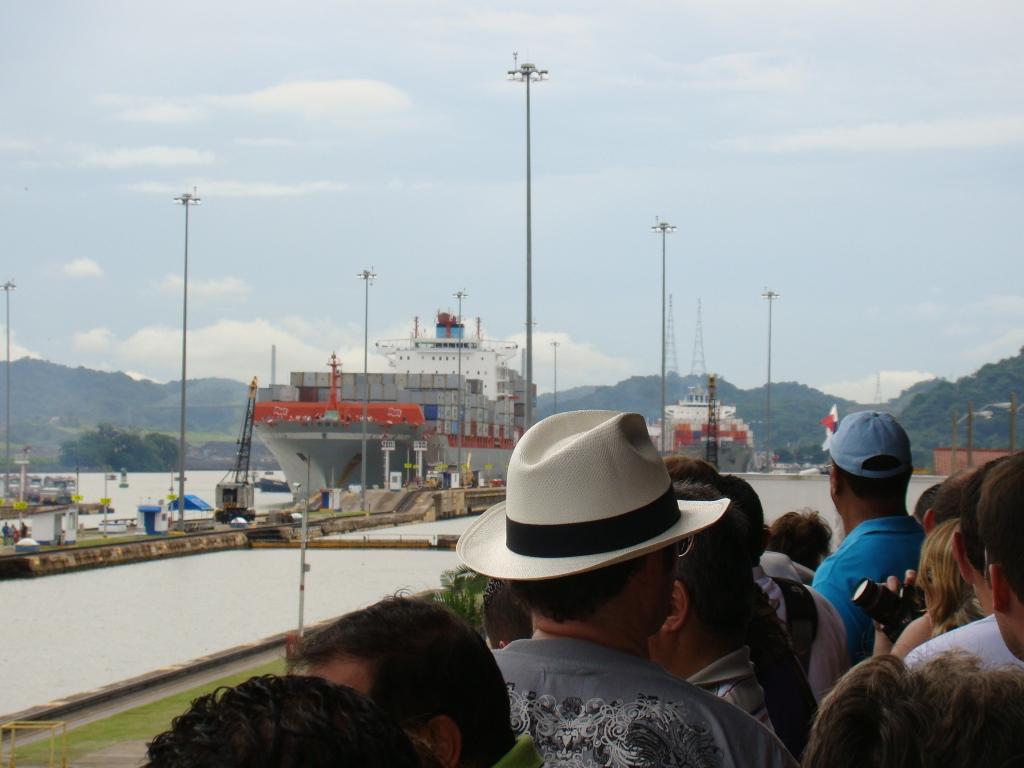 Entrada de navios no Canal do Panamá