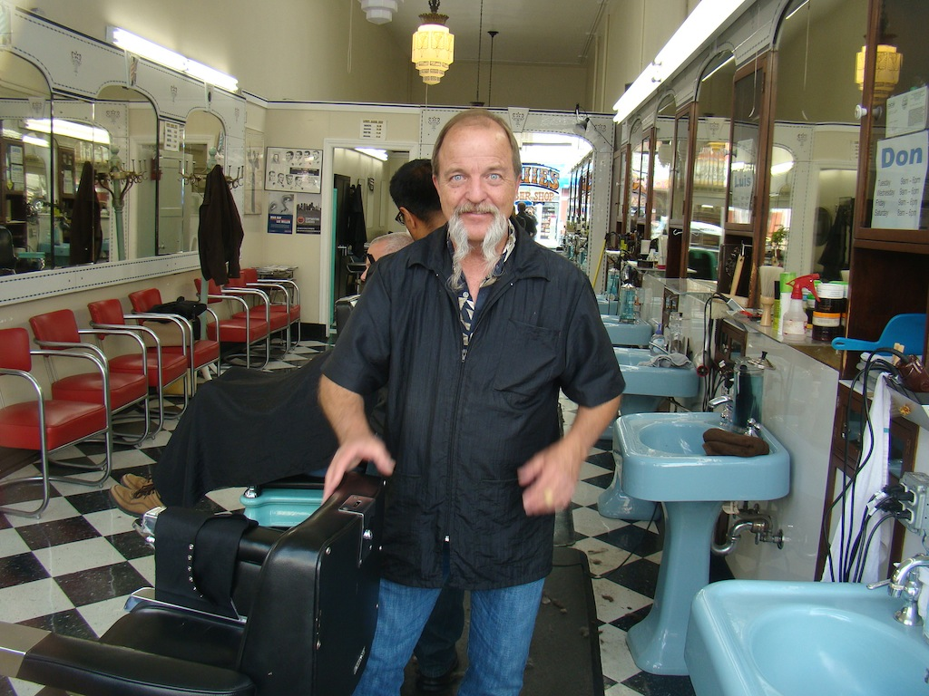 Louis Barber Shop - Castro