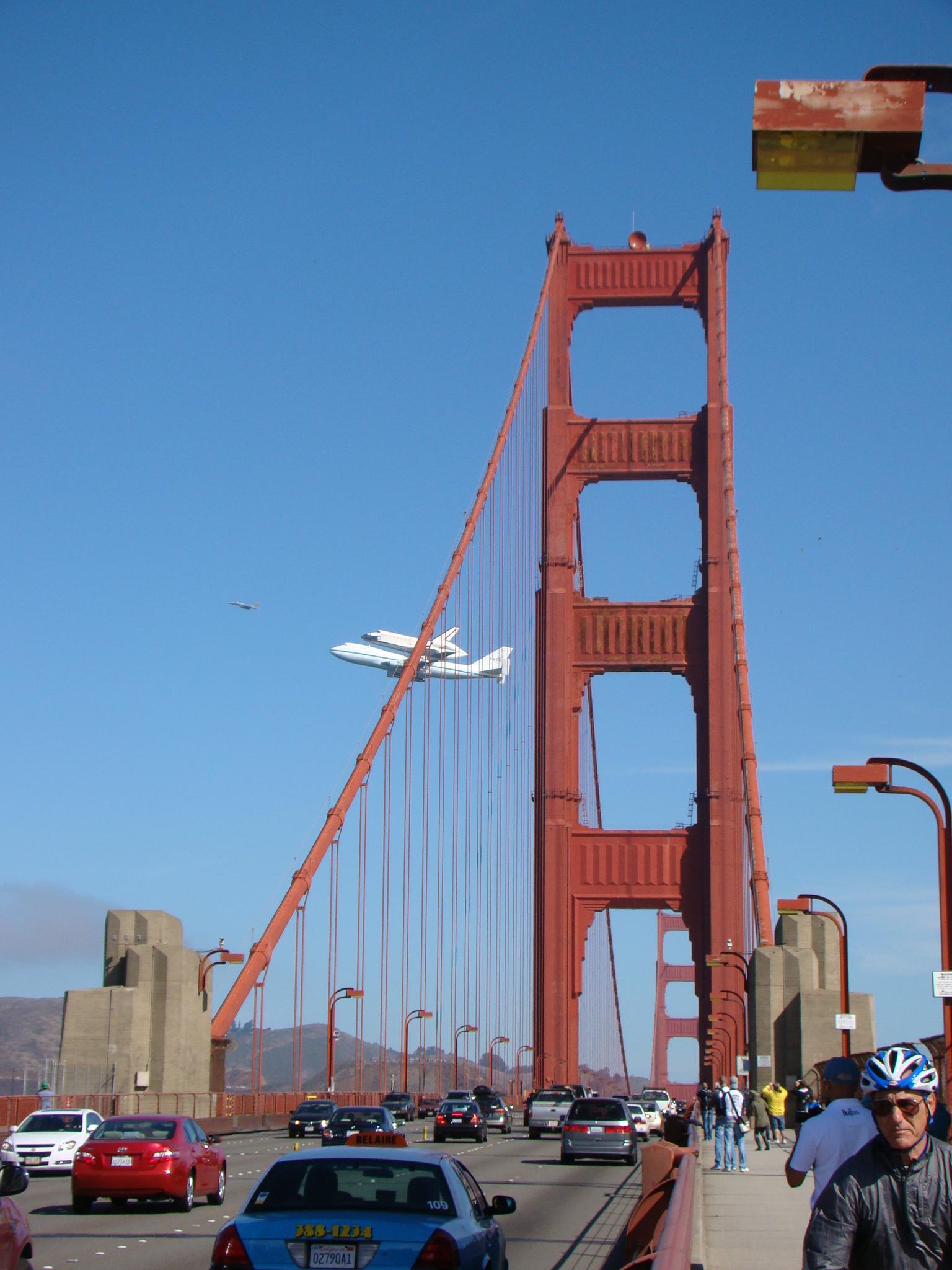 Endeavor e Golden Gate Bridge