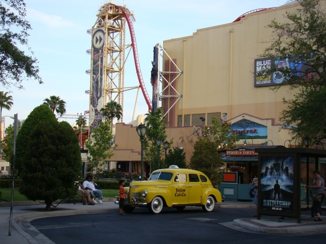 TWISTER... Ride it out - Universal Studios