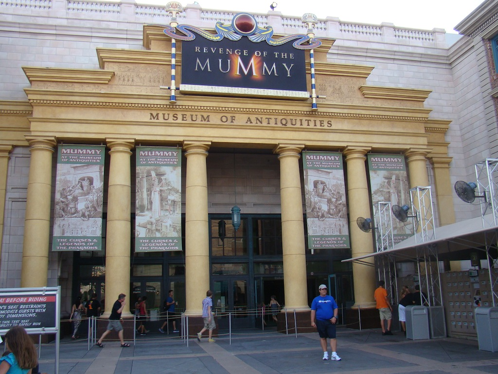 Revenge of the Mummy ( A revanche da Múmia) - Universal